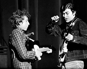 BOB DYLAN & ROBBIE ROBERTSON IN CONCERT Berkeley, 1965 / copyright Larry Keenan