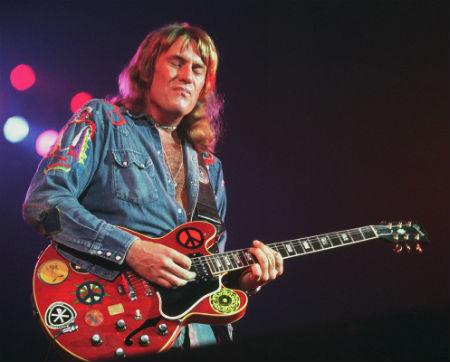 Alvin Lee, 1975 by Jim Summaria, http://www.jimsummariaphoto.com