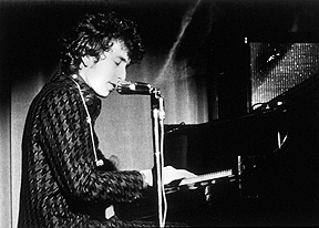Bob Dylan at the Piano, Berkeley 1965 / copyright Larry Keenan